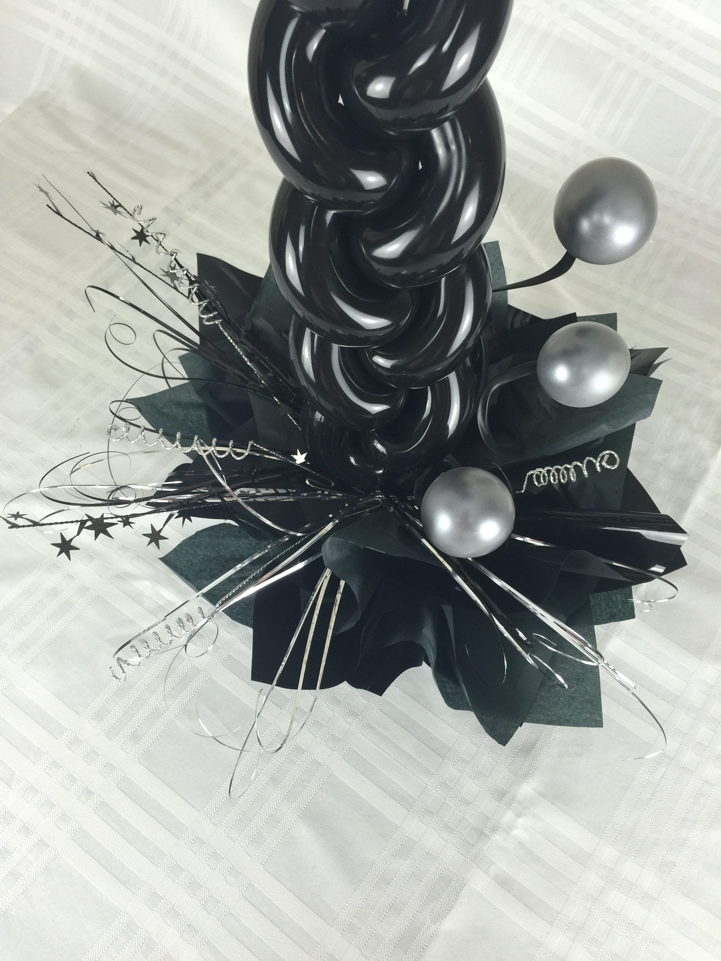 Balloon Centre Piece Buffet Feature Black and Silver Weaved Stem Base